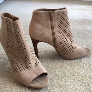 Audrey Brooke Madison Bootie. Size 10